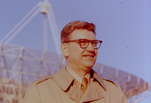 George Swenson in front of Vermilion River Observatory, early 1970s